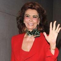 Sophia Loren, la 75 de ani, atrage inca toate privirile
