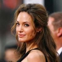 Fundatia Jolie-Pitt a donat peste 6,8 milioane de dolari in 2008