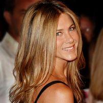 Jennifer Aniston va fi sotia lui Adam Sandler