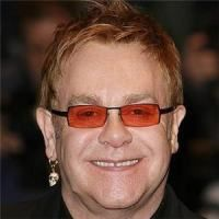 Sir Elton John vine in Romania