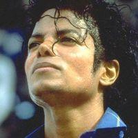 Dosarul lui Michael Jackson, facut public de FBI