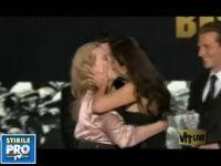 Sandra Bullock si Meryl Streep s-au sarutat pe buze