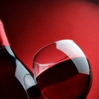 Vinul in cantitati moderate ne salveaza de cancer