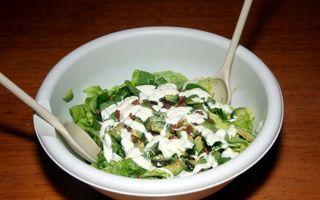 Salata de kiwi si avocado cu pui