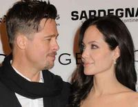 Angelina Jolie si Brad Pitt au dat in judecata tabloidul News of the World