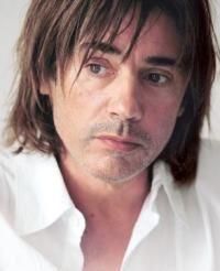 Jean Michel Jarre va canta la Polivalenta
