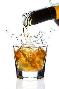 Consumul moderat de alcool e benefic pentru silueta