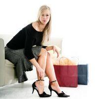 Tocuri invizibile si pantofi cu mustati - moda 2010