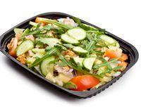 Salata de pui cu castraveti, ridichi si smantana