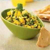 Salata de pui cu afine si mango