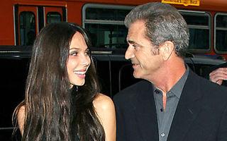 Mel Gibson s-a despartit de iubita