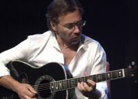 Al Di Meola se pregateste de concertul din Romania...