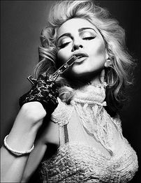 Madonna, intr-un nou pictorial sexy