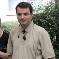 Lucian Mandruta duce viata de refugiat
