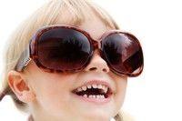 Ochelarii de soare protejeaza vederea copilului tau