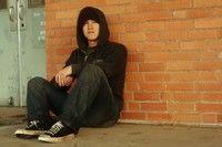 15 – 16 ani - varsta de debut a consumului de droguri injectabile