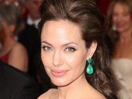 Angelina Jolie va fi Cleopatra?