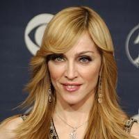 Madonna si Jennifer Lopez, imbracate de o romanca