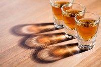 Redu consumul de alcool si protejeaza-ti oasele!