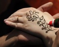 Tatuajele cu henna pot provoca alergii grave