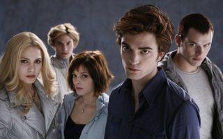 "Ultimul film din seria ""Amurg/Twilight"", lansat in 2012"