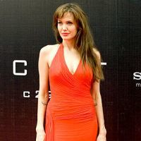 10 tinute preferate de Angelina Jolie