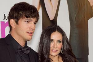 Ashton Kutcher, acuzat că o înşală pe Demi