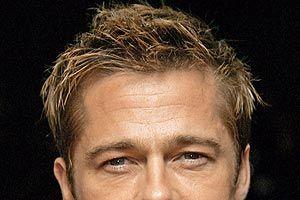 Brad Pitt, în vizită la chirurgul plastician?