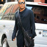 Lenny Kravitz poarta cizme cu tocuri inalte