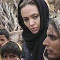 """Eva Mendes: """"Jolie a făcut ca filantropia să devină o activitate cool"""""""