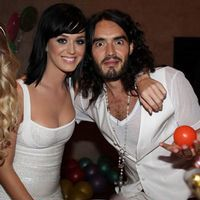 Katy Perry şi Russell Brand se căsătoresc pe 23 octombrie