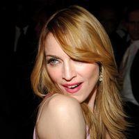 Madonna, surprinsă sărutându-se cu coregraful său