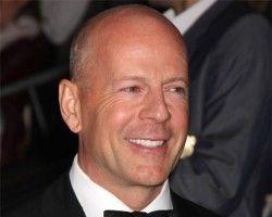 Bruce Willis îşi sfătuieşte fiica să se radă în cap