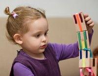 Dezinfectează suprafeţele cu care vin în contact copiii!