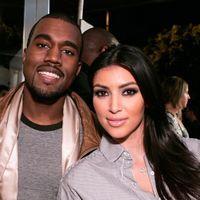 Kanye West are o relaţie cu Kim Kardashian