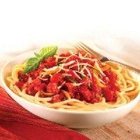 Paste cu sos de roşii şi usturoi