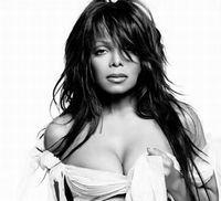 Janet Jackson avea sânii prea mari la 11 ani
