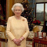 Regina Angliei este fan Facebook