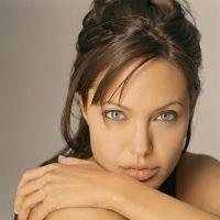 Angelina Jolie din nou însărcinată