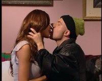 Vedete: 5 săruturi care au şocat România