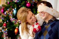 Crăciun: 10 cadouri sub 100 lei pentru iubitul tău