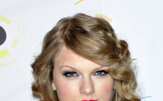 6 coafuri inspirate de Taylor Swift