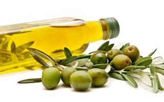 10 tratamente de înfrumuseţare cu ulei de măsline