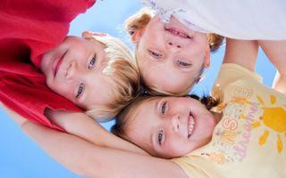 Micutii pacienti ai spitalelor de copii se pregatesc de Sarbatorile Pascale