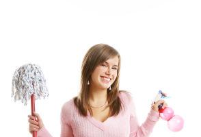 Curăţenie de Paşte: 5 trucuri ca să-ţi faci casa lună în 2 ore