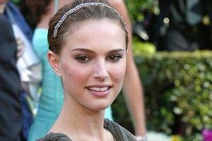 Hollywood: 10 vedete sexy cu sâni mici