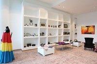 S-a deschis primul magazin caritabil din România