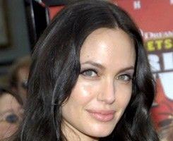 Hollywood: 7 fani obsedaţi să arate ca idolii lor