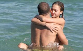 Hollywood: 10 vedete care au făcut sex în apă