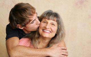 Horoscop: Cât de mult e influenţat de mama lui